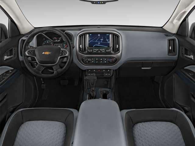 2017 Chevrolet Colorado interior