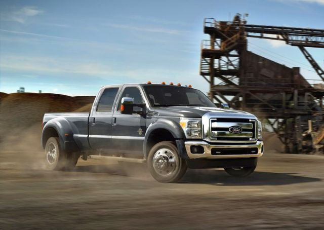 2017 Ford F-450 front