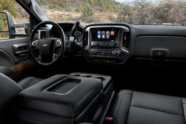 Chevrolet Avalanche interior