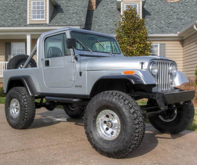 2017 Jeep Scrambler front