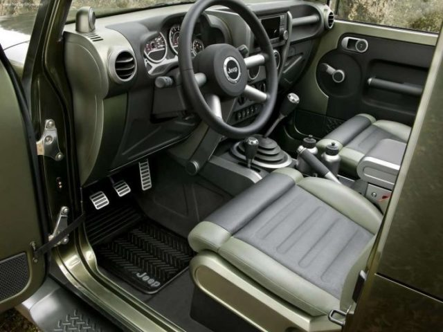2017 Jeep Gladiator Pickup Truck interior