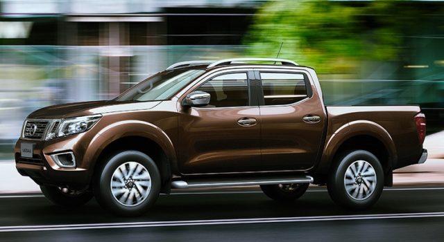 Nissan Navara 2017 side