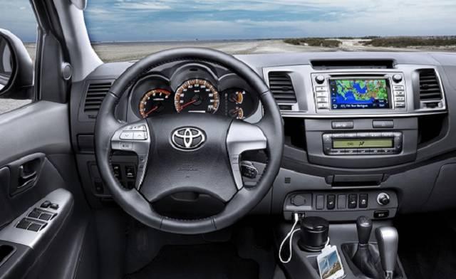 Toyota Hilux 2017 interior