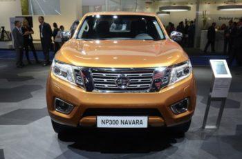 2017 Nissan Navara NP300 front view
