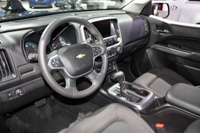 2017 Chevrolet Colorado ZR2 interior