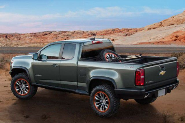 2017 Chevrolet Colorado ZR2 rear