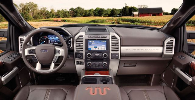 2017 Ford Super Duty Platinum interior