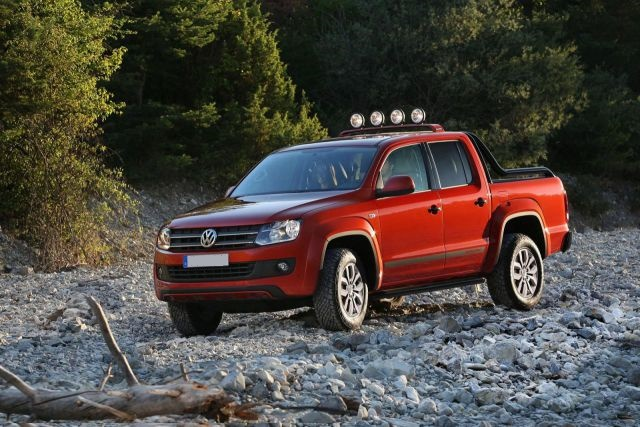 2017 Volkswagen Amarok Canyon Edition side view