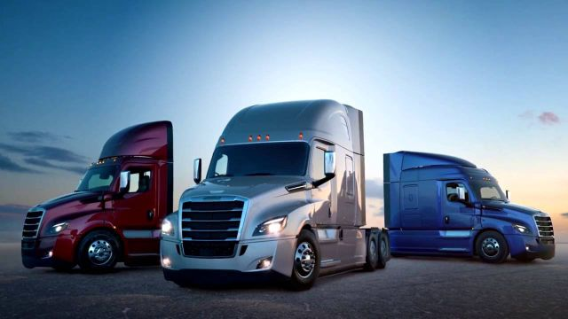 2018 Freightliner Cascadia front