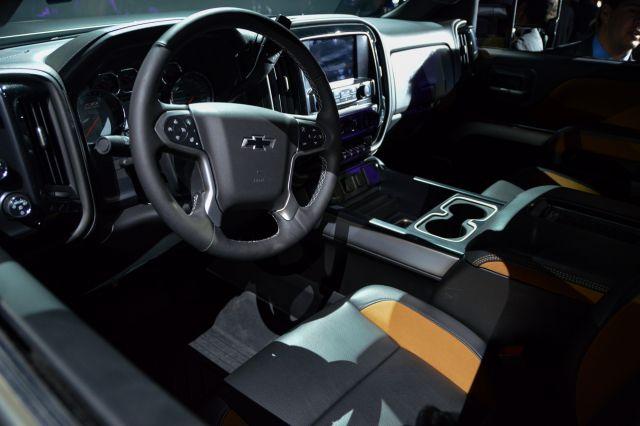 2017 Chevy Silverado 2500 HD Carhartt interior