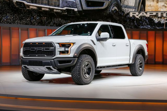 2017 Ford F-150 Raptor SuperCrew Cab front
