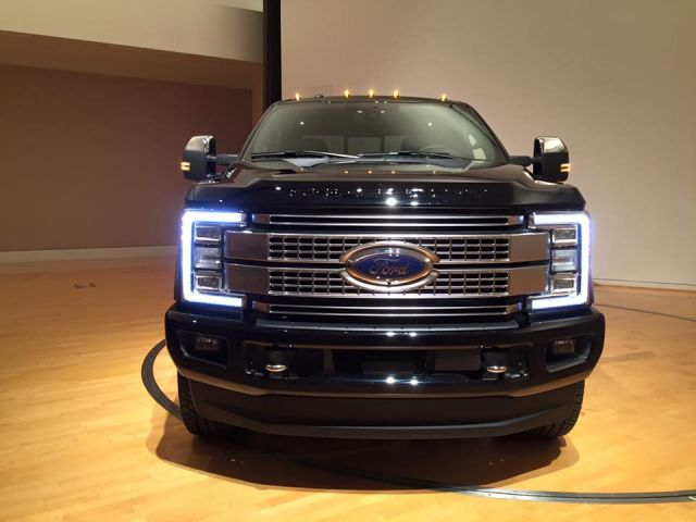 2017 Ford F-150 Super Duty front