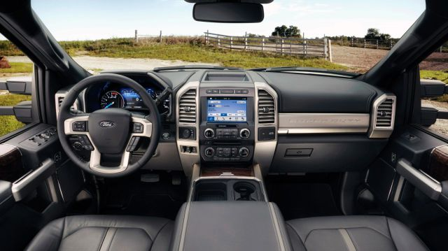 2017 Ford F-150 Super Duty interior