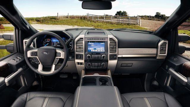 2017 Ford F-150 Super Duty interior