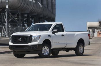 2017 Nissan Titan Single Cab front
