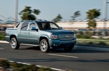 2018 Chevy Avalanche front