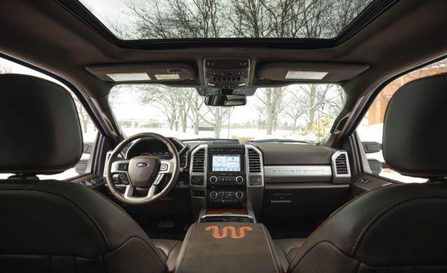 2018 Ford F-350 interior