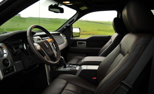 2018 Lincoln Mark LT interior