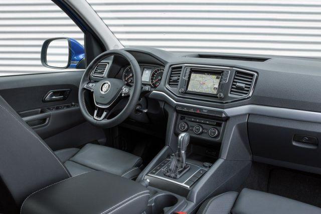 2018 VW Amarok interior