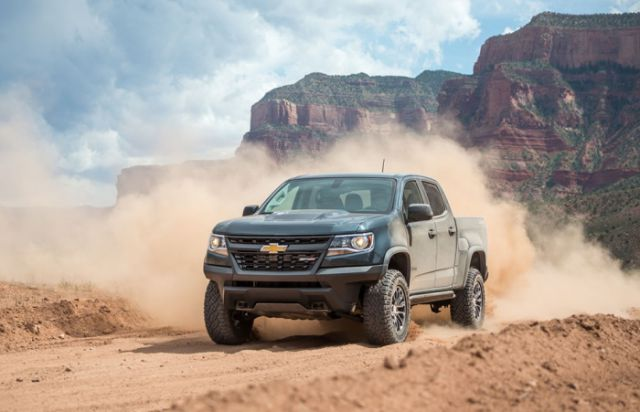2018 Chevrolet Colorado ZR2 front view