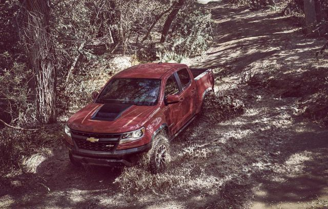 2019 Chevy Colorado front