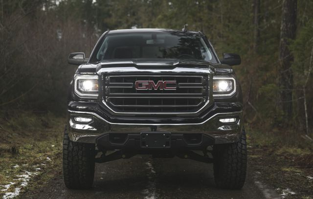 2018 GMC Sierra All Terrain front