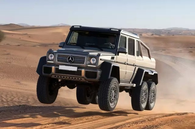 Mercedes 6x6 AMGG63 front VIEW