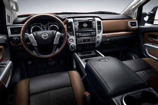 2019 Nissan Titan XD interior