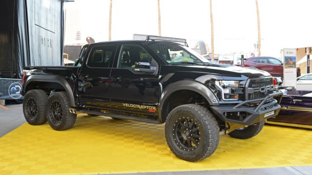 2018 Ford F-150 Hennessey VelociRaptor 6x6 front