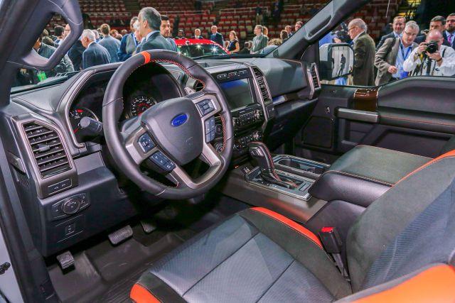2018 Ford F-150 Hennessey VelociRaptor 6x6 interior