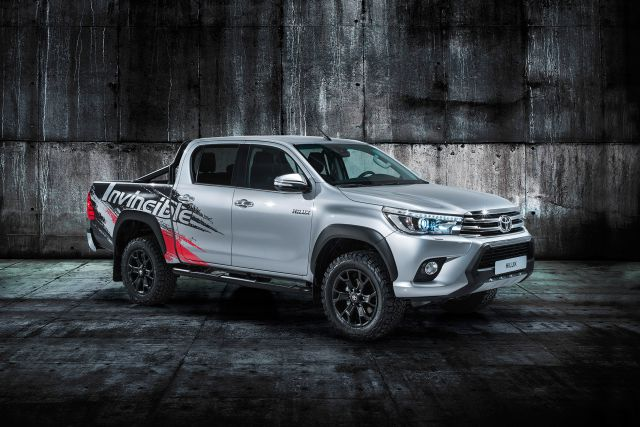 2018 Toyota Hilux Invincible 50 front