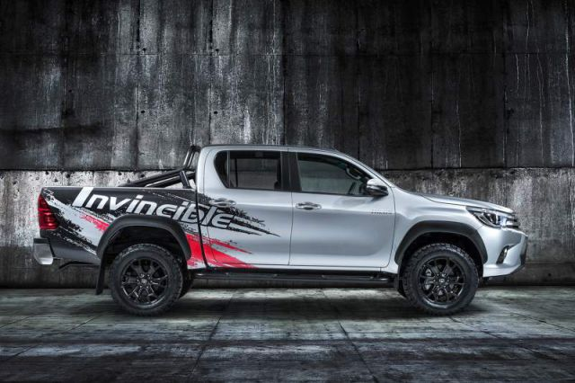 2018 Toyota Hilux Invincible 50 side