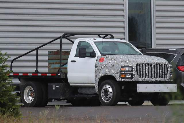 2019 Chevy Kodiak HD 4500 side