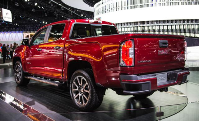 2019 GMC Canyon rear