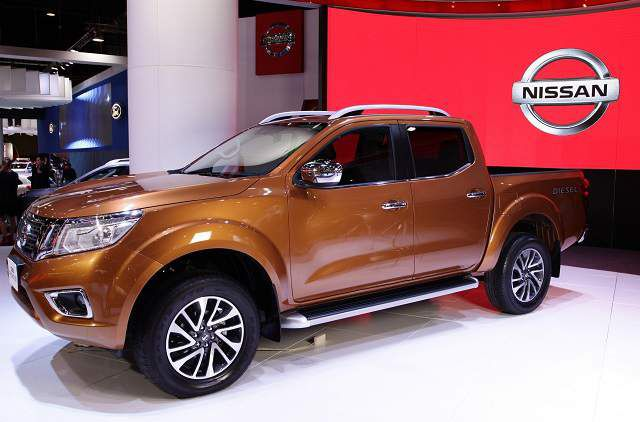 2019 Nissan Frontier side