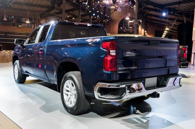 2019 Chevrolet Silverado 2500HD rear