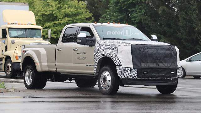 2019 Ford Super Duty spy photo 1