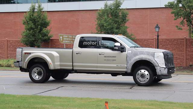 2019 Ford Super Duty spy photo 3