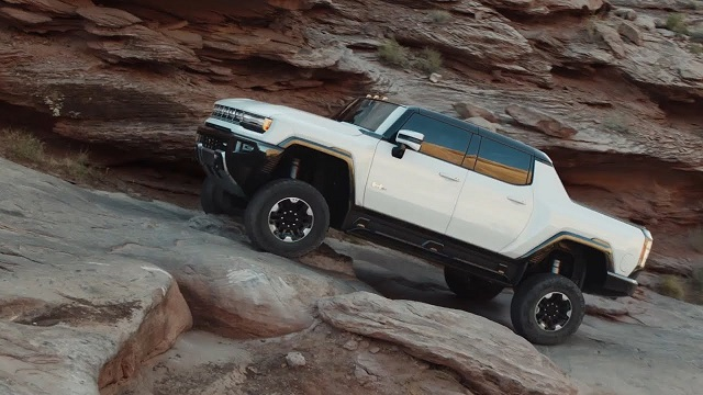 2022 GMC Hummer EV truck