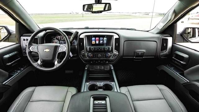 2022 Chevy Avalanche interior