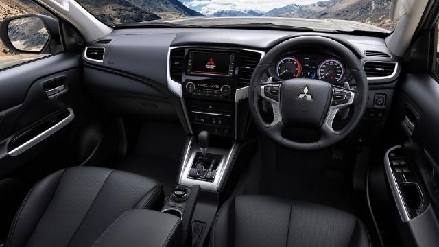 2022 Mitsubishi L200 interior