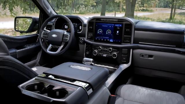 2022 Ford F-150 PowerBoost Hybrid interior