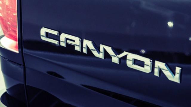 2023 GMC Canyon denali
