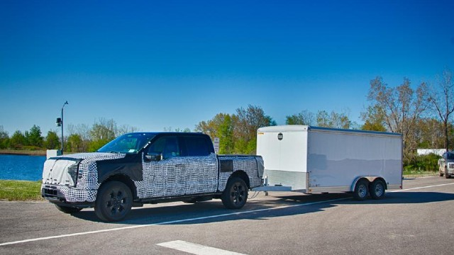 2023 Ford F-150 Lightning towing capacity