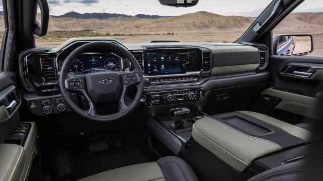 2023 Chevrolet Silverado ZR2 interior